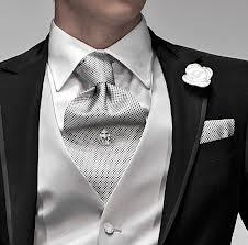 migliori scarpe da ginnastica 3fdcc 77c84 L'abito da sposo: consigli per scegliere il vestito dello ...